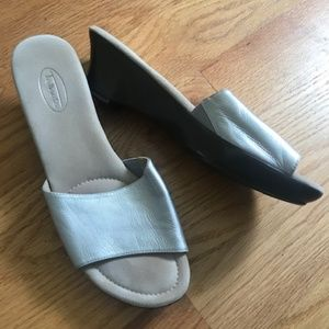 NWOT Talbots Silver Sandals Size 9